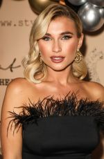 BILLIE FAIERS at Style Cheat