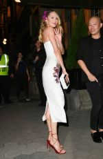 CANDICE SWANEPOEL Arrives at Cfda & Vogue Fashion Fund Awards in New York 11/04/2019