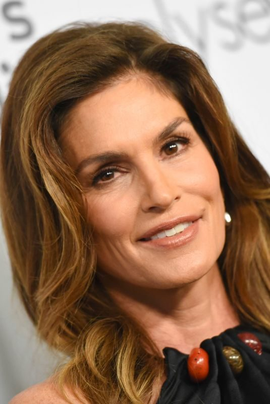 CINDY CRAWFORD at Women's Guild Cedar's-Sinai Luncheon in Los Angeles 11/06/2019