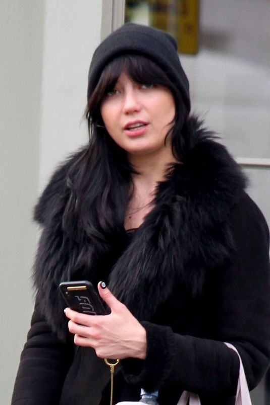 DAISY LOWE Leaves Nuyu Beauty Salon in Primrose Hill 11/19/2019