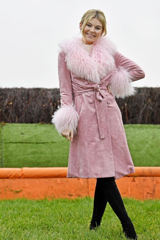 GEORGIA TOFFOLO at Winter Ladies Day at Huntingdon Racecourse 11/23/2019