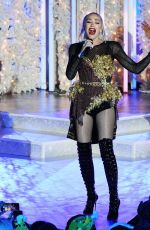 GWEN STEFANI Pretapes Her Christmas Eve Performance at Rockefeller Center Ice Rink in New York 11/14/2019