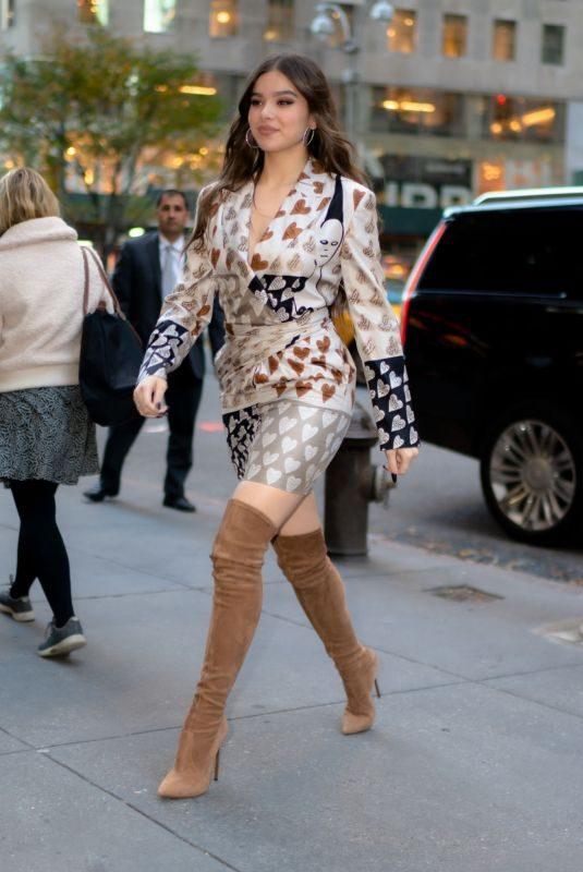 HAILEE STEINFELD Arrives at Her Hotel in New York 11/01/2019