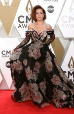 HALSEY at 2019 CMA Awards in Nashville 11/13/2019