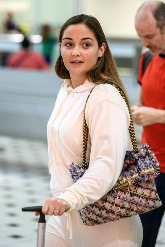 JACQUELINE JOSS Makeup Free at Brisbane Airport 11/11/2019