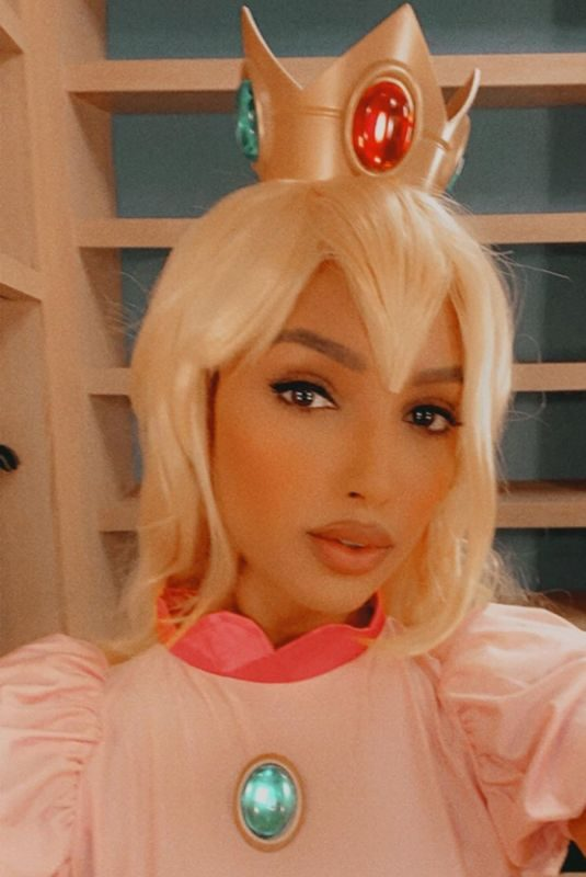 JASMINE TOOKES Getting Ready for Halloween – Instagram Photos and Video 10/31/2019