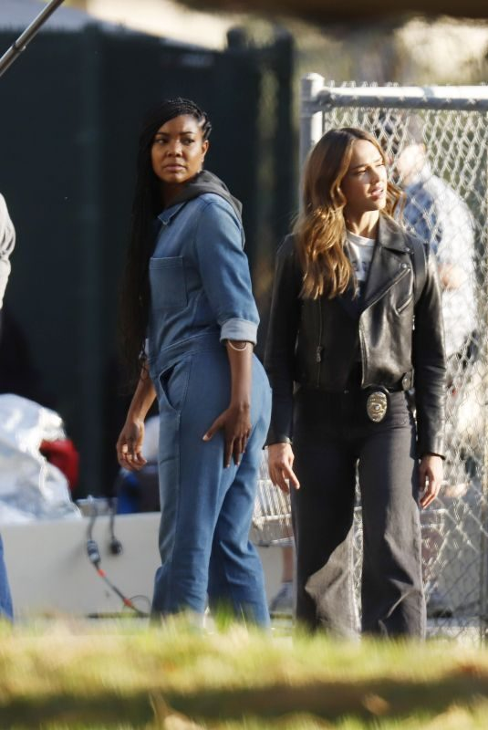 JESSICA ALBA and GABRIELLE UNION on the Set of L.A.'s Finest in Los Angeles 11/06/2019