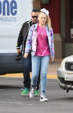 JOJO SIWA Out for Lunch at Marie Callender in Sherman Oaks 11/19/2019