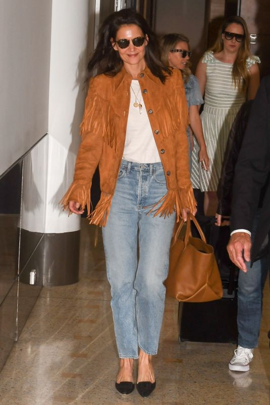 KATIE HOLMES Arrives at Airport in Sydney 11/13/2019