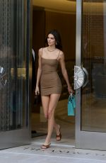 KENDALL JENNER Shopping at Tiffany & Co in Beverly Hills 11/05/2019