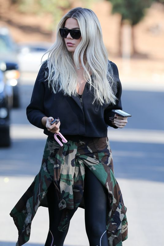 KHLOE KARDASHIAN Out and About in Van Nuys 11/26/2019