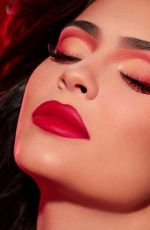 KYLIE JENNER for Kylie Cosmetics Holiday 2019 Collection
