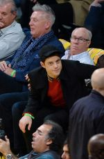 LUCY BOYNTON anr Rami Malek at Washington Wizards vs LA Lakers Game in Los Angeles 11/29/2019