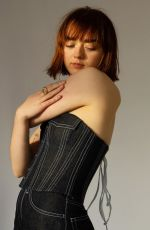 MAISIE WILLIAMS Teams Up with Weekday Official Denim Basque 11/25/2019