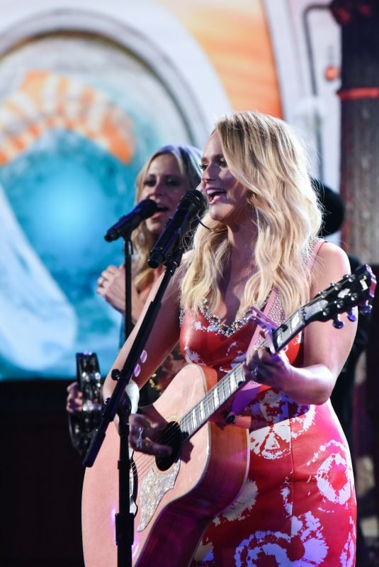 MIRANDA LAMBERT Performs It All Comes Out in the Wash at Late Show with Stephen Colbert 10/30/2019