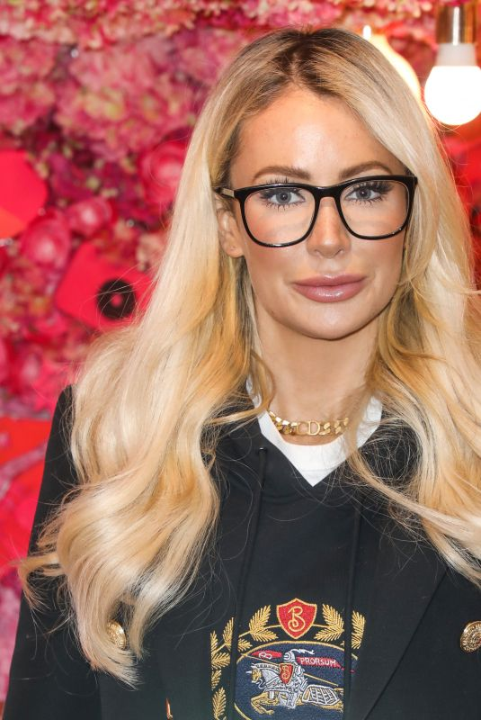 OLIVIA ATTWOOD at Beauticology x Elan Cafe Launch Event in London 11/15/2019