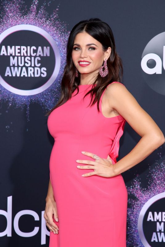 Pregnant JENNA DEWAN at 2019 America Music Awards in Los Angeles 11/24/2019