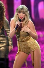 TAYLOR SWIFT Performs at 2019 AMA in Los Angeles 11/24/2019
