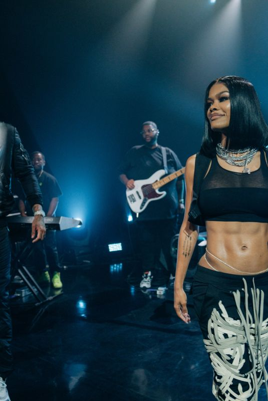 TEYANA TAYLOR Performs at Late Late Show with James Corden 11/18/2019
