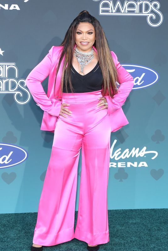 TISHA CAMPBELL at 2019 Bet Soul Train Awards in Las Vegas 11/17/2019