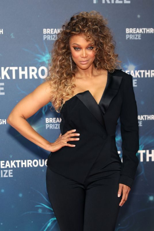 TYRA BANKS at 8th Annual Breakthrough Prize Ceremony in Mountain View 11/03/2019