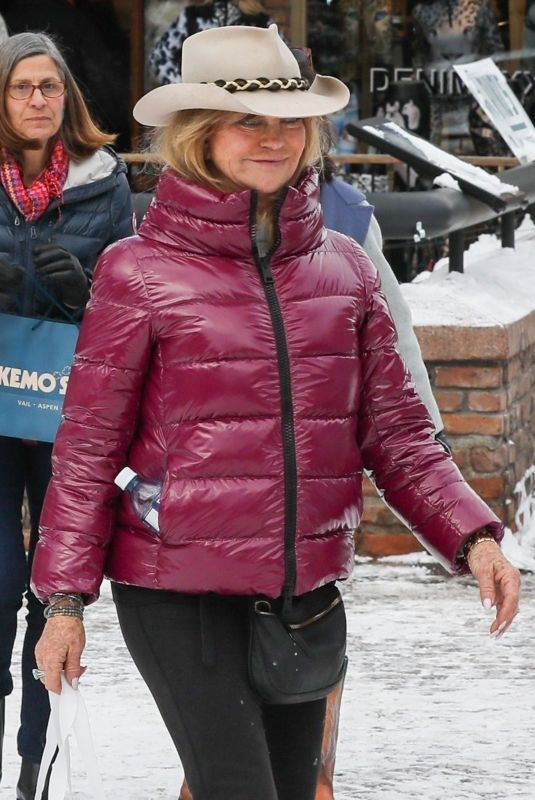 GOLDIE HAWN Out and About in Aspen 12/27/2019