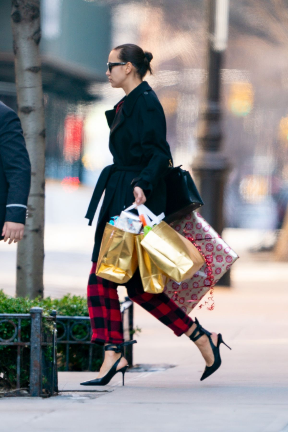 IRINA SHAYK Out on Christmas Day in New York 12/25/2019 – HawtCelebs