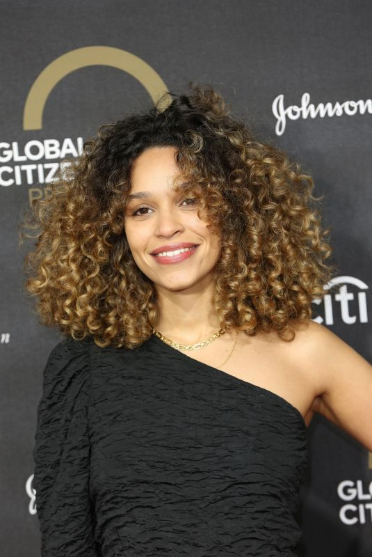 IZZY BIZU at Global Citizen Prize 2019 in London 12/13/2019