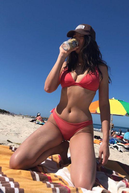 JESSICA GOMES in Bikini - Instagram Photo 12/30/2019