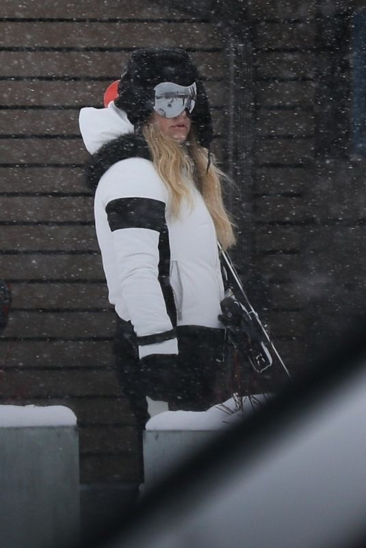 JESSICA SIMPSON Out and About in Aspen 12/29/2019