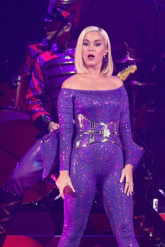 KATY PERRY at B96 Jingle Bash at Allstate Arena in Chicago 12/07/2019