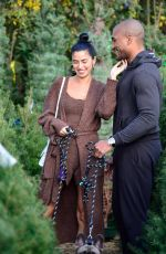 NICOLE WILLIAMS and Larry English Out Shopping in Los Angeles 12/16/2019