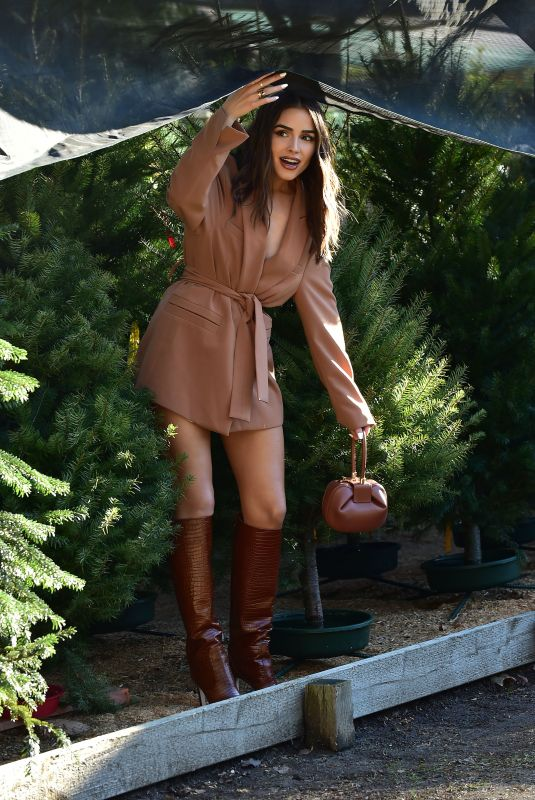 OLIVIA CULPO Shopping for a Christmas Tree in Los Angeles 12/12/2019