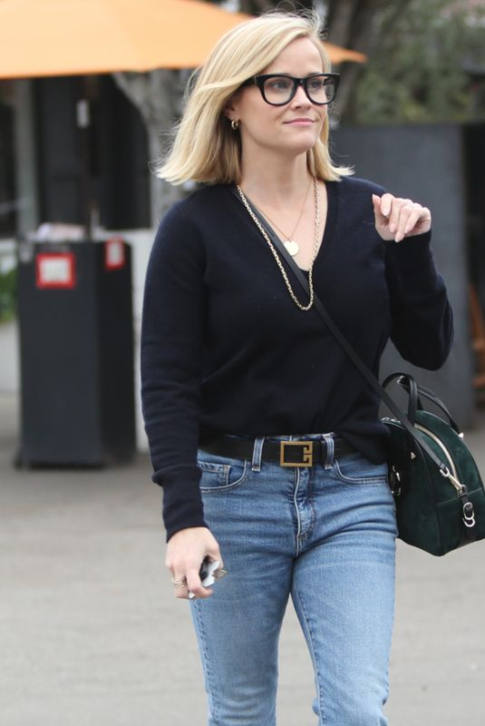 REESE WITHERSPOON Out and About n Brentwood 12/26/2019