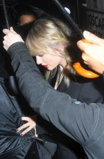 TAYLOR SWIFT Leaves Z100