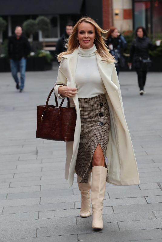 AMANDA HOLDEN Out in London 01/10/2020