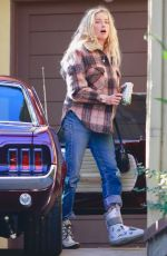 AMBER HEARD Arrives at Her Home in Los Angeles 01/10/2020