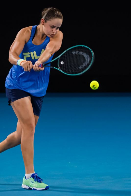 ASHLEIGH BARTY Practices at 2020 Australian Open at Melbourne Park 01/19/2020