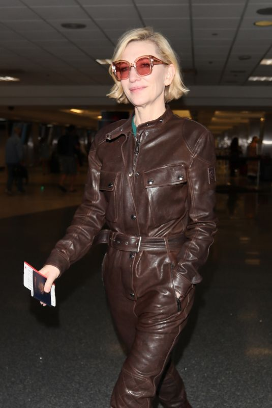 CATE BLANCHETT at Los Angeles International Airport 01/09/2020