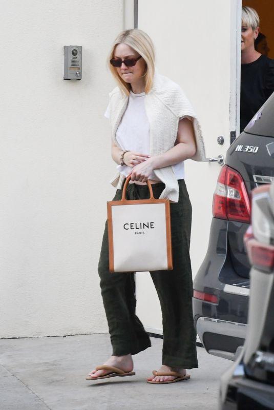 DAKOTA FANNING Leaves Lancer Dermatologist in Beverly Hills 01/04/2020