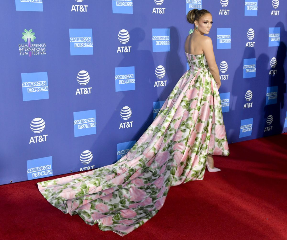 JENNIFER LOPEZ At 31st Annual Palm Springs IInternational