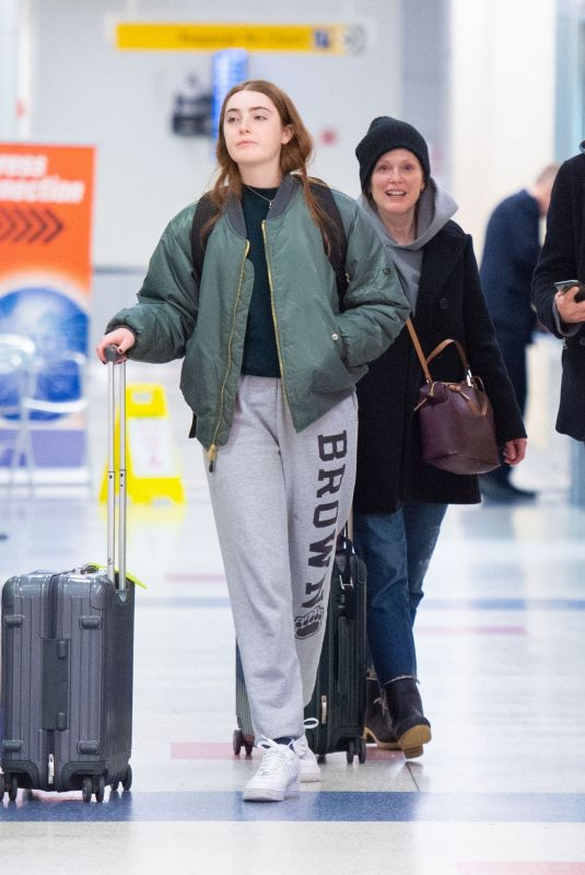 JULIANNE MOORE and Bart and LIV FREUNDLICH at JFK Airport in New York 01/03/2020
