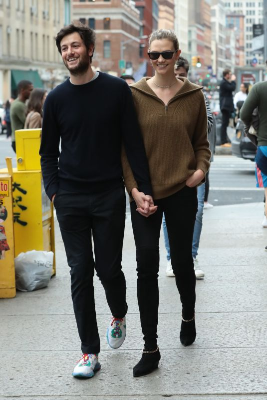 KARLIE KLOSS and Joshua Kushner Out in New York 01/11/2020