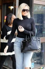 KHLOE KARDSIAN Out and About in Woodland Hills 01/03/2020