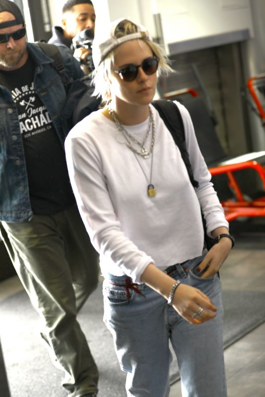 KRISTEN STEWART at Los Angeles International Airport 01/08/2020