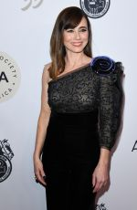 LINDA CARDELLINI at Casting Society of America