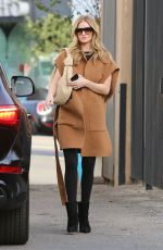 ROSIE HUNTINGTON-WHITELEY Arrives at a Salon in Beverly Hills 01/30/2020