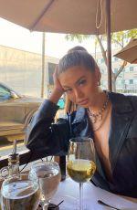 SOFIA JAMORA - Instagram Photos and Video 01/16/2020
