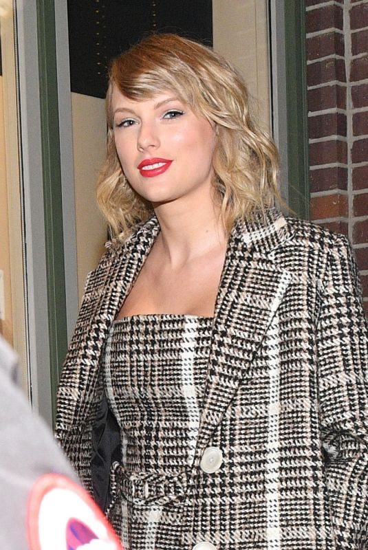 TAYLOR SWIFT Out in Park City 01/23/2020