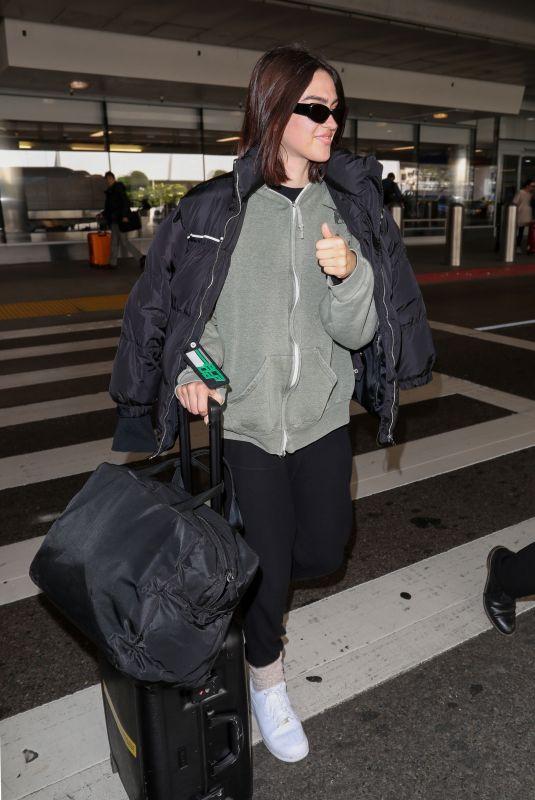 AMELIA HAMLIN at Los Angeles International Airport 02/12/2020